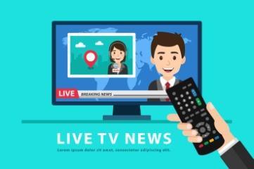 Celebración de control remoto y ver las noticias de televisión ...
