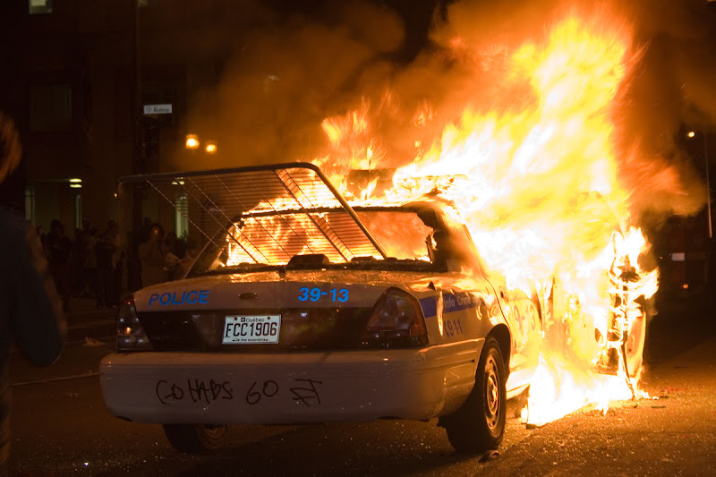 montreal police car fire
