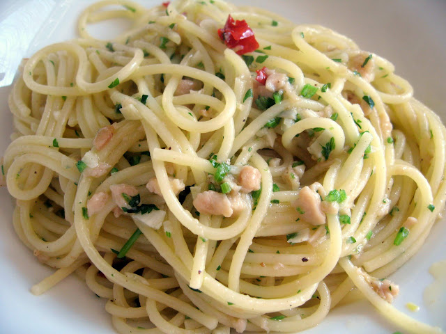 Recipe: Linguine with Clam Sauce
