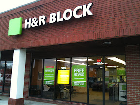 An H&R Block storefront