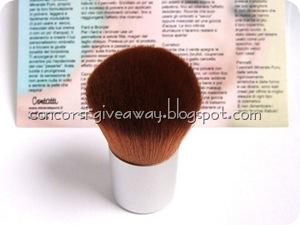 Giveaway-make-up-minerale-minerale-puro-kabuki-1-1