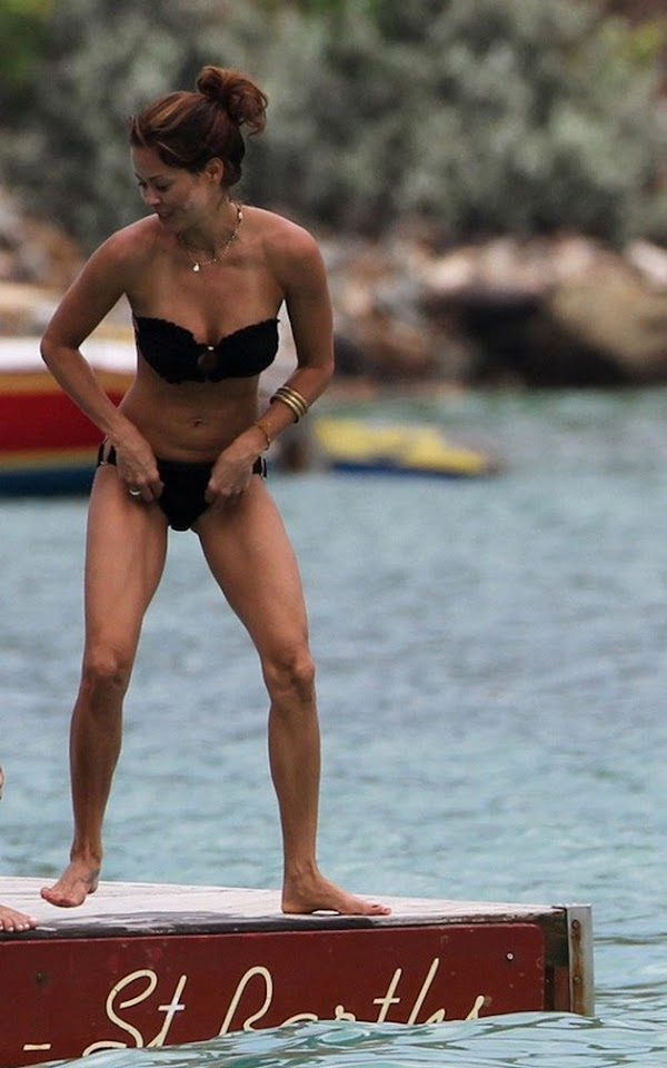 Brooke Burke can still bring it in a bikini:celebrities,pretty girls,bikini girl,sex beach0