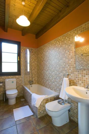 apartamentos argame baño