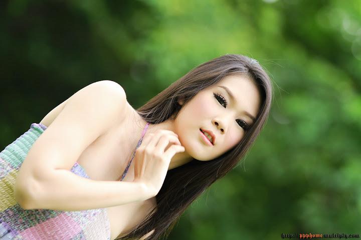 น้ำหวาน สาวสวย ในสวนเขียว