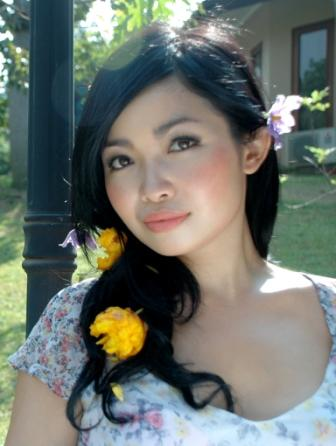 http://bambang-gene.blogspot.com/2011/06/juri-master-chef-marinka-ga-serem-gan.html