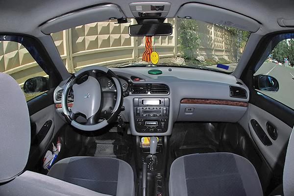 peugeot-406-interior
