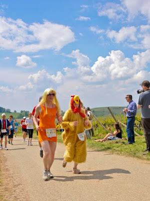 Rennende Holländerin und Running Chicken