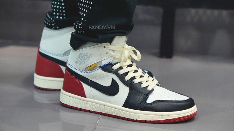 giay union x air jordan 1 white red