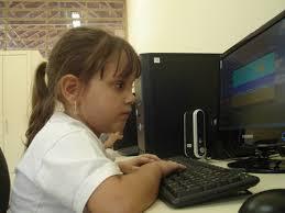 Resultado de imagem para As Possibilidades do uso da informática na alfabetização de crianças cegas ................................................................................................