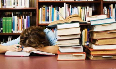 Student-falls-asleep-in-l-008.jpg