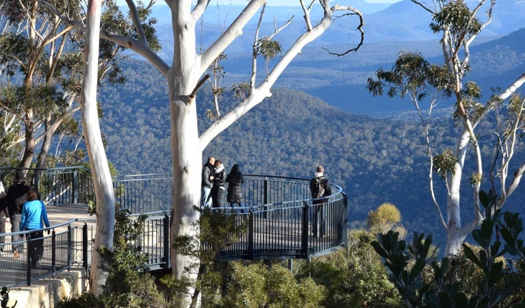 Three Sisters Walk - Blue Mountains National Park, NSW
