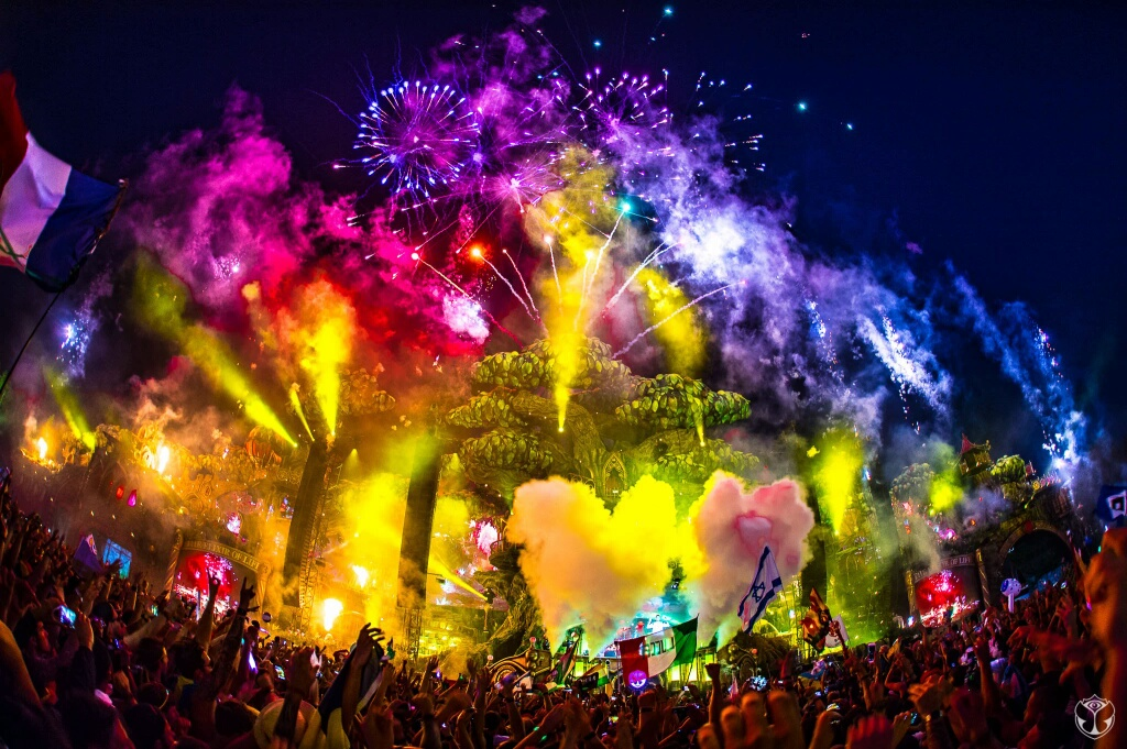 the biggest music festivals use co2 cryo smoke stage effects equipment jets from ATL Special FX and now you too can create yout own cryo effects for your party.jpg
