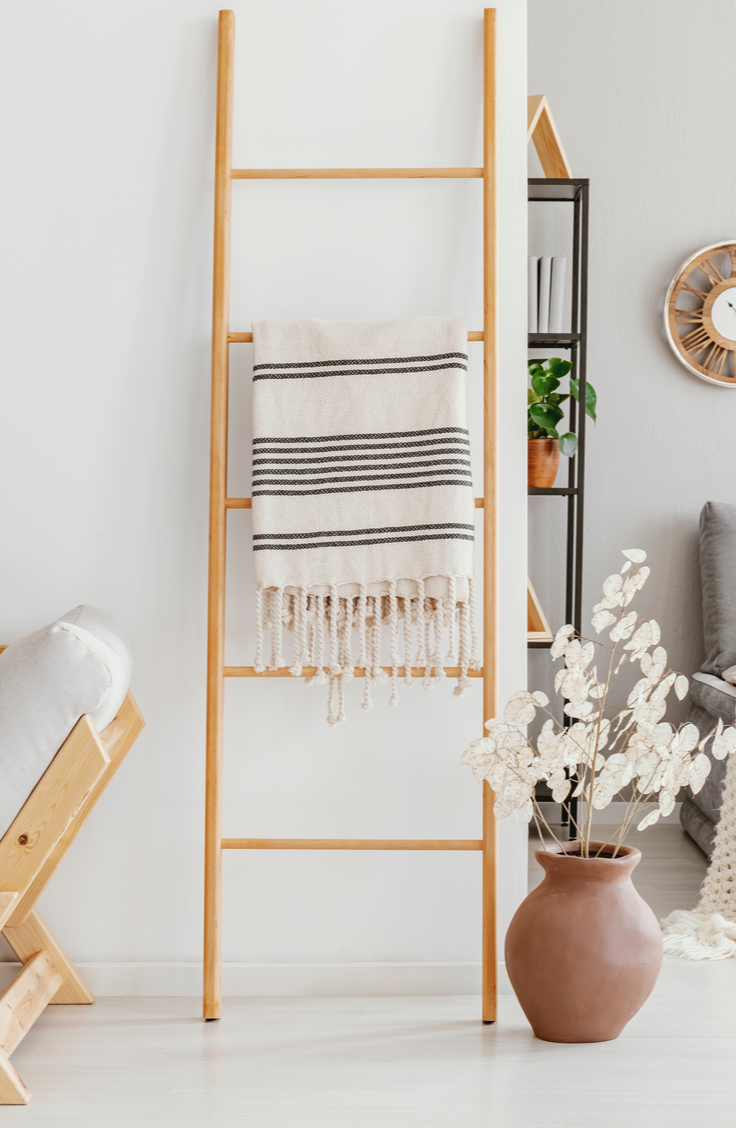 It can be tricky figuring out how to store and organize blankets, but these tips and tricks should help. Try using a quilt ladder to organize and display your favorite blankets.