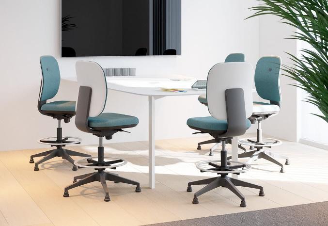 Table haute pour salle de réunion avec écran