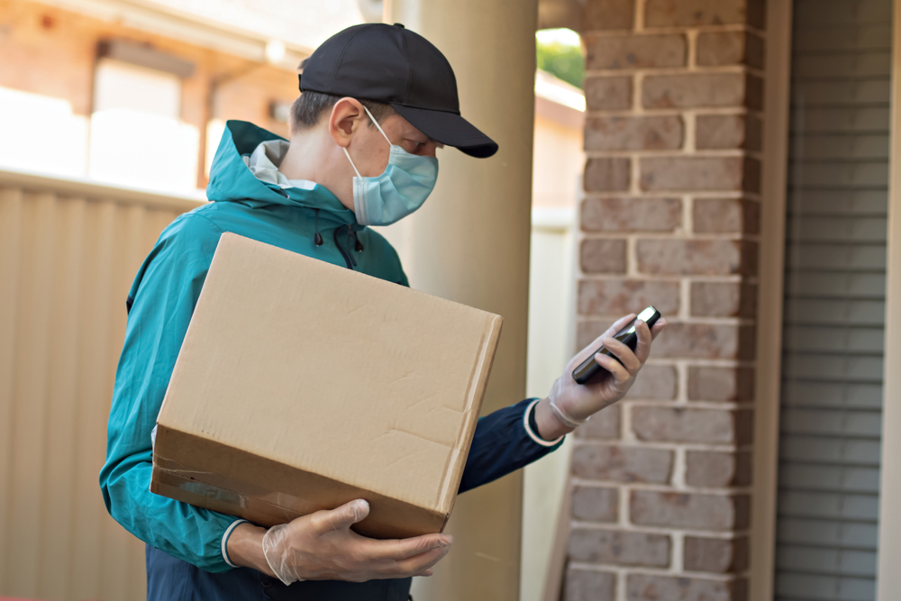 Kini, hampir produk apa pun dapat dipesan melalui WhatsApp dan diantar ke rumah konsumen.