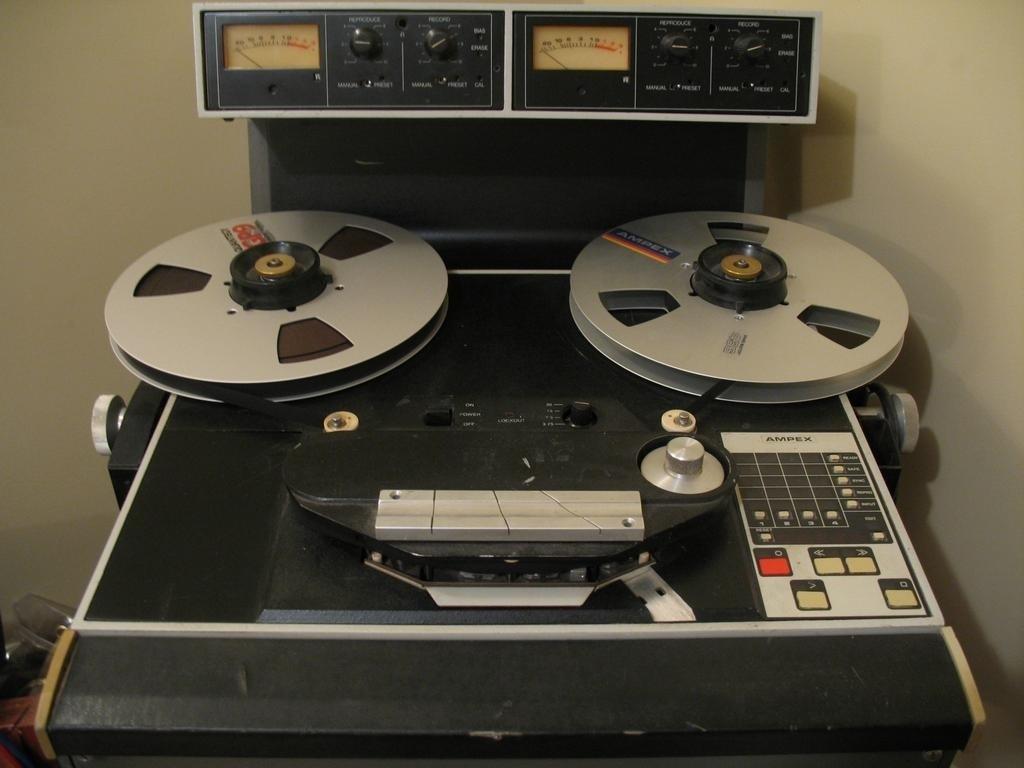 Ampex ATR 102 half inch mastering tape deck at jimestudios.com_full.jpg
