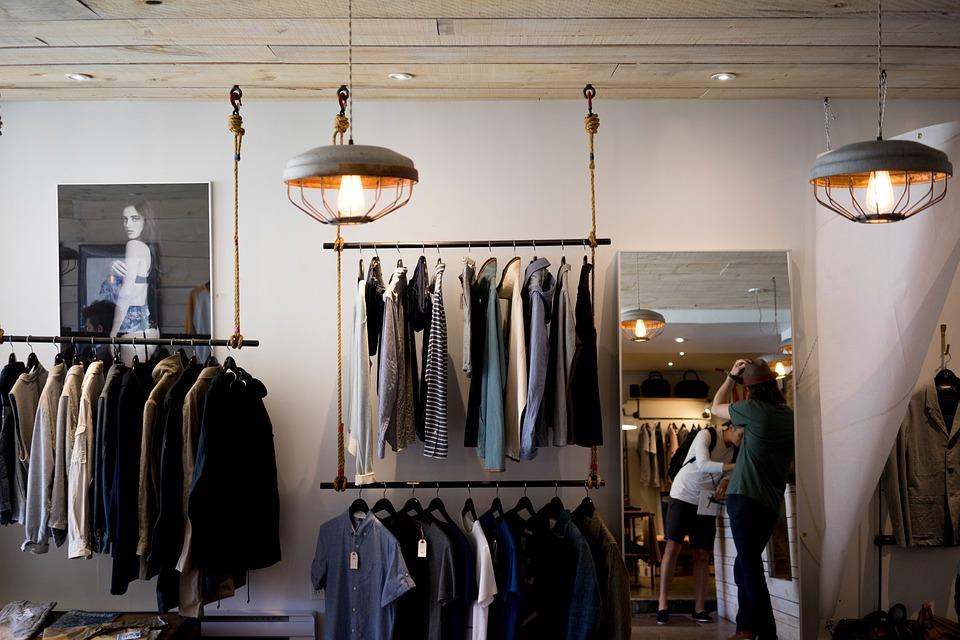 clothing-store-984396_960_720.jpg