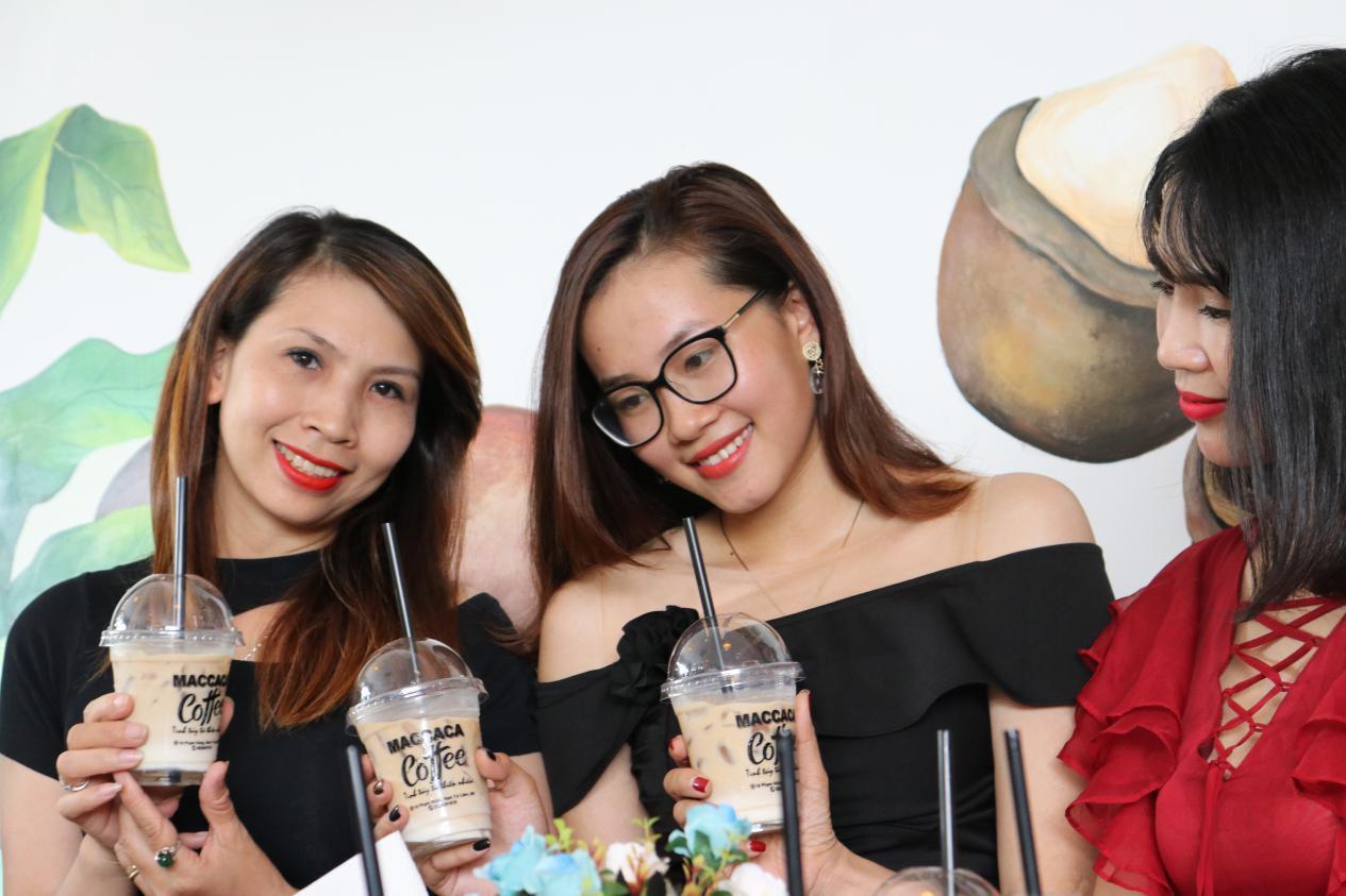 Tưng bừng khai trương Maccaca Coffee 18 Phạm Hùng - Hà Nội - Ảnh 9