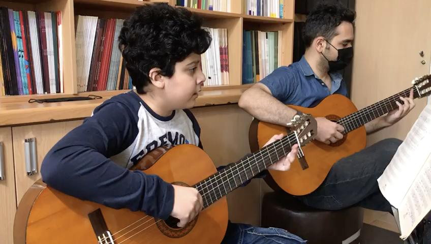 هتل کالیفرنیا ارشیا بابائیان هنرجوی گیتار فرزین نیازخانی