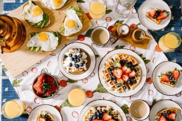 5 Makanan Penyebab Darah Tinggi, Sebaiknya Hindari Mulai Sekarang!