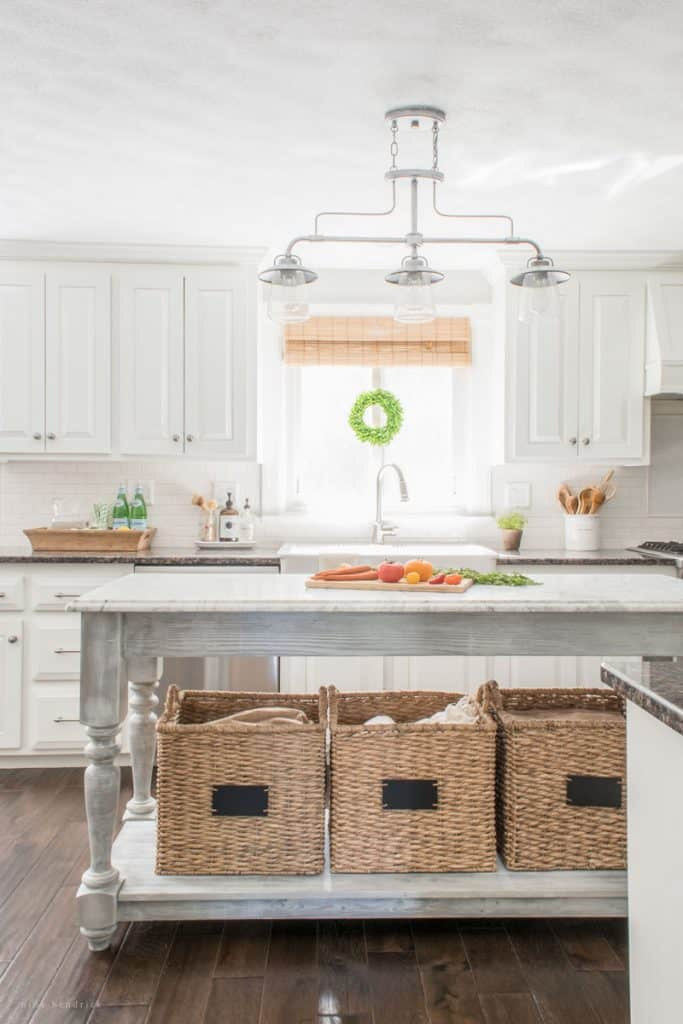 Kitchen Island: These 50 Cheap & Easy Farmhouse Decor Ideas will help you save money and transform your space.