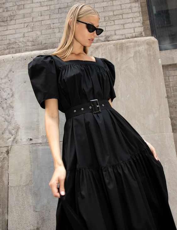 Puhvis varrukatega must kleit
