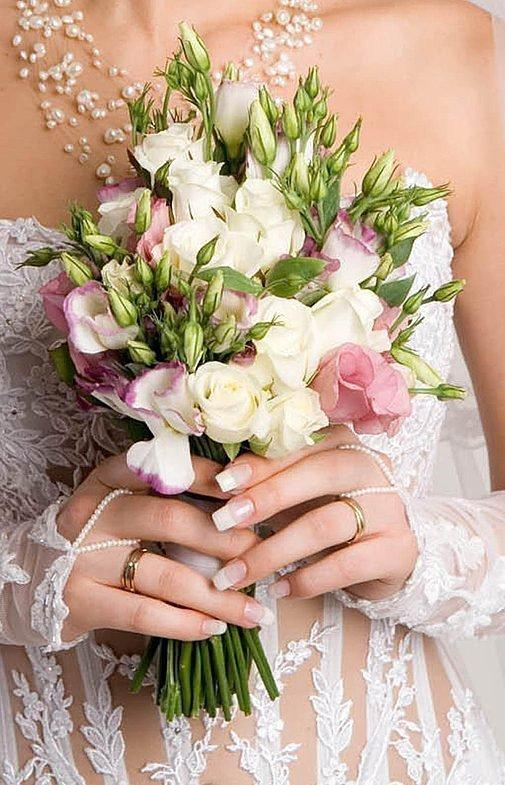 Свадебный букет с эустомами
