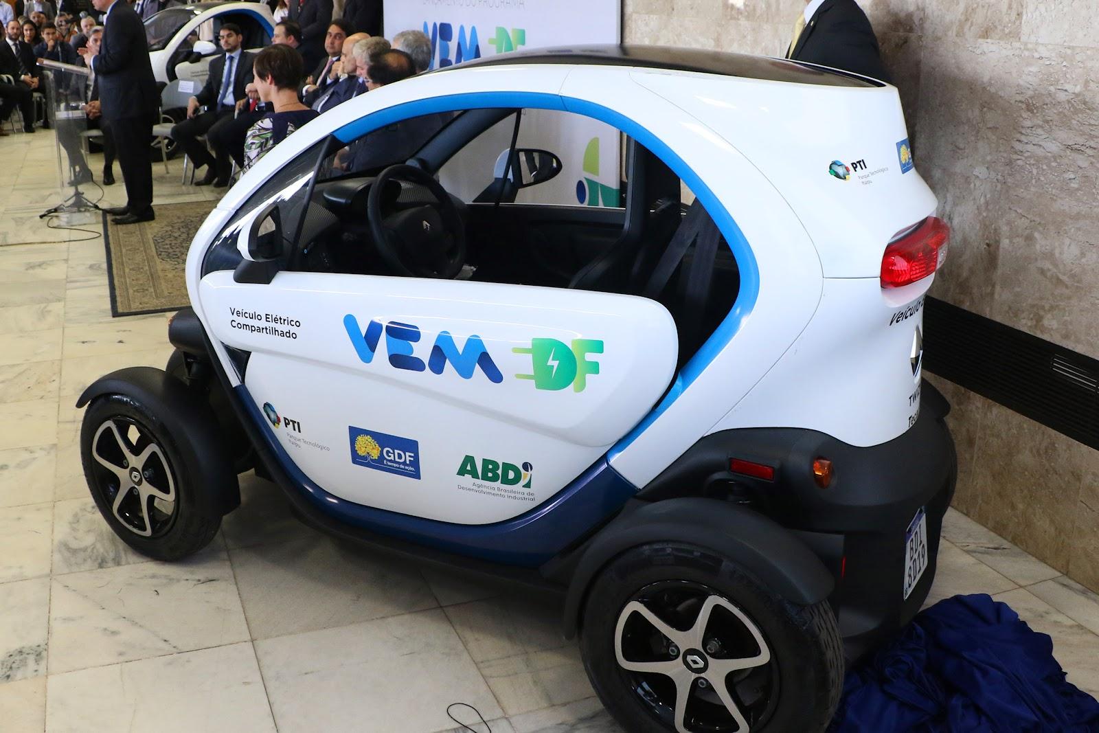 Twizy, da Renault, será compartilhado por servidores do Governo do Distrito Federal em programa piloto de carros elétricos. (Fonte: Agência Brasília)