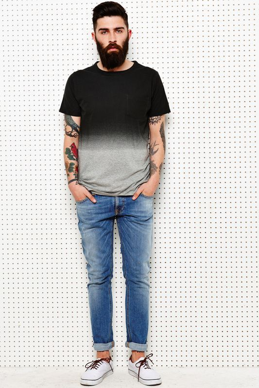 Man wearing a rugged jeans