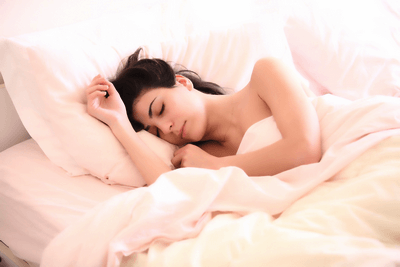 Por qué es necesario dormir con almohada