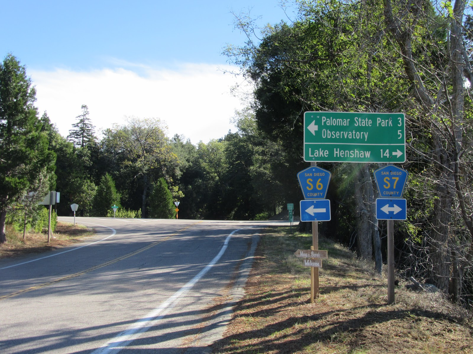 Intersection of South and East Grade Roads on Palomar Mountain bike climb