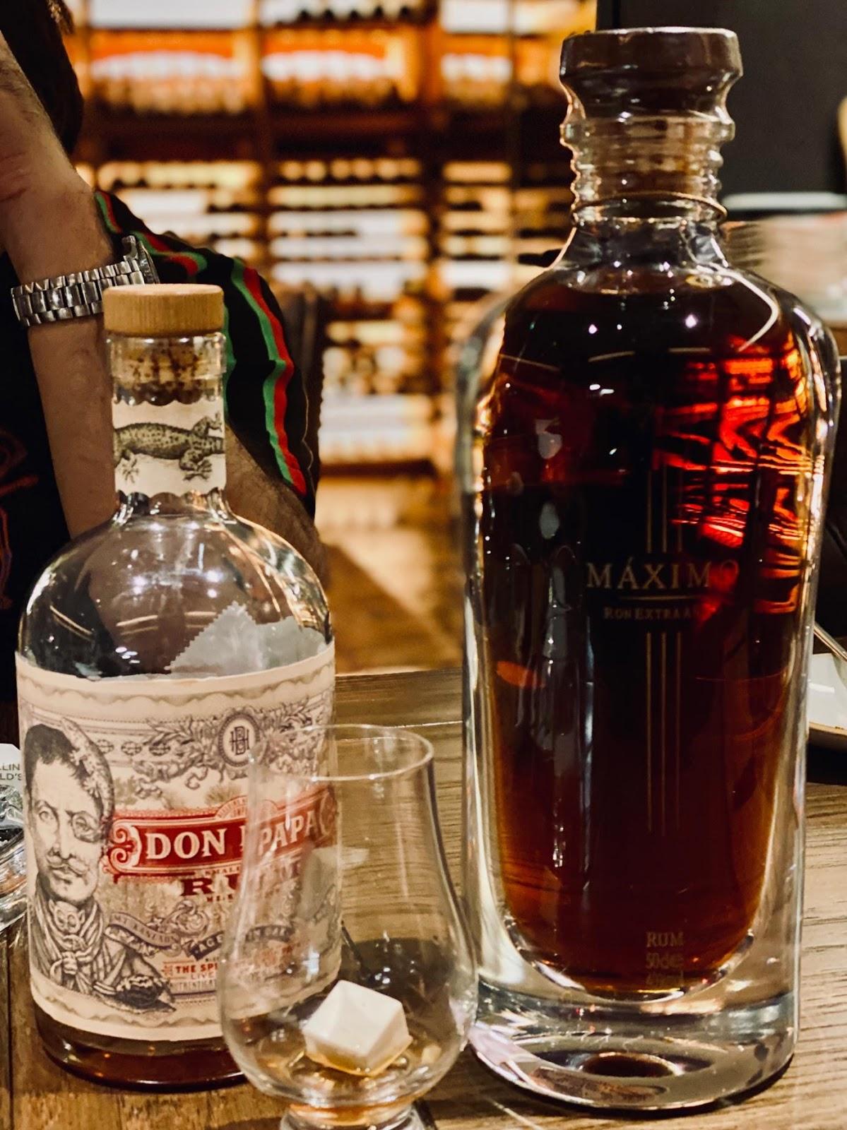 Ein Bild, das Getränk, Alkohol enthält.  Automatisch generierte Beschreibung