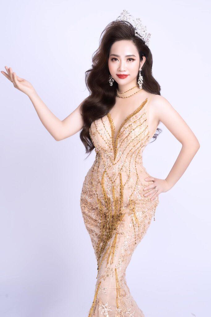 CEO Đinh Thị Cúc được vinh danh Á hoàng doanh nhân 2020 của thương hiệu mỹ phẩm Magic Skin - Ảnh 1