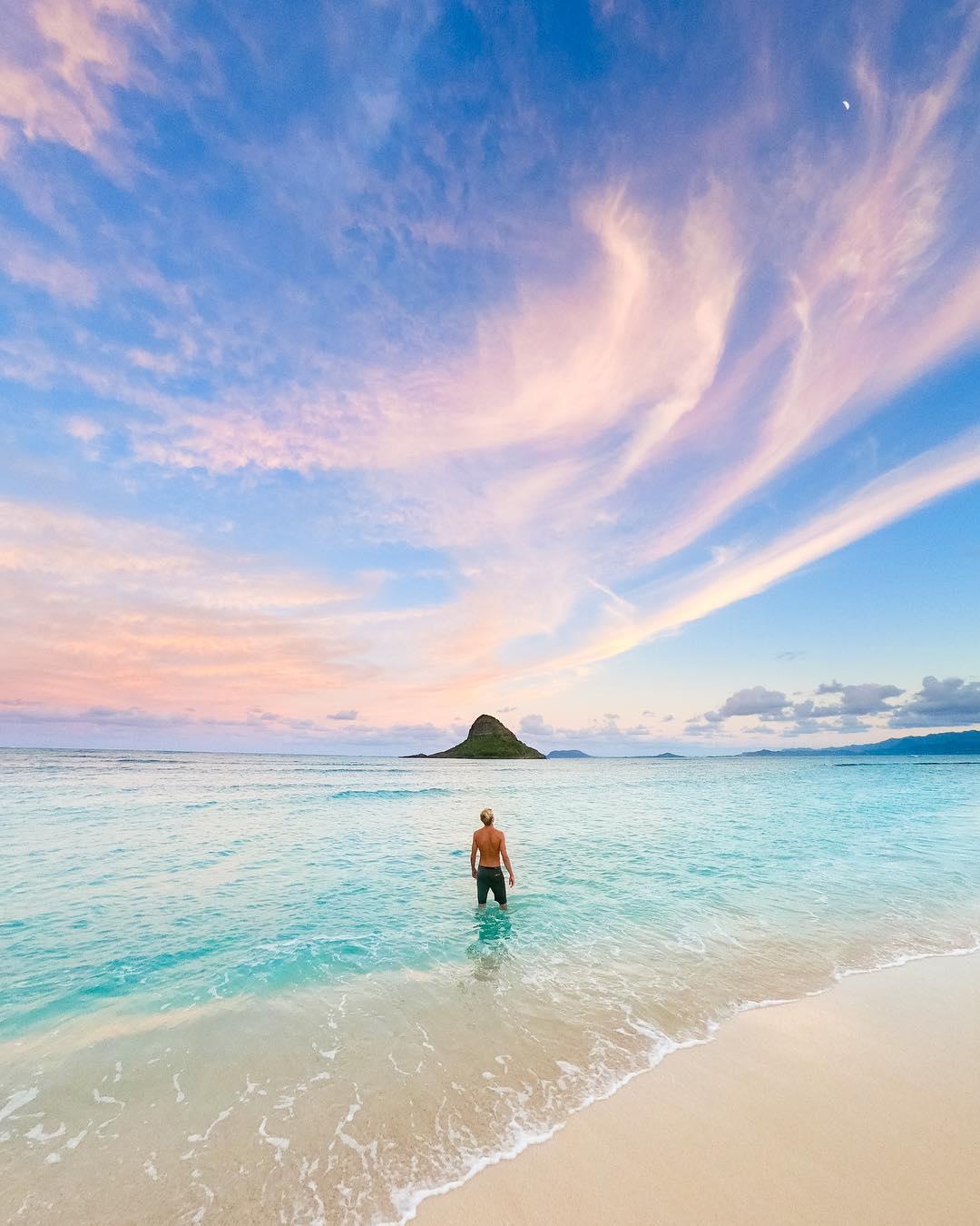 The beautiful Kualoa Beach - 15 Best Beaches on Oahu