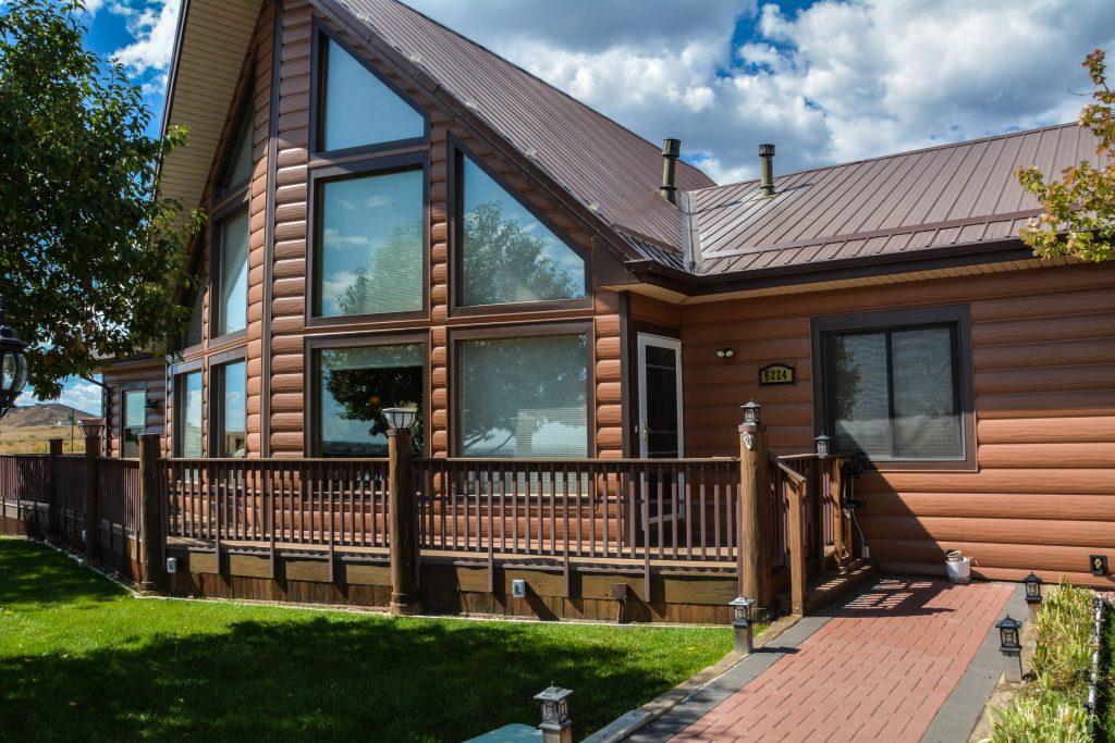 energy efficient log cabin