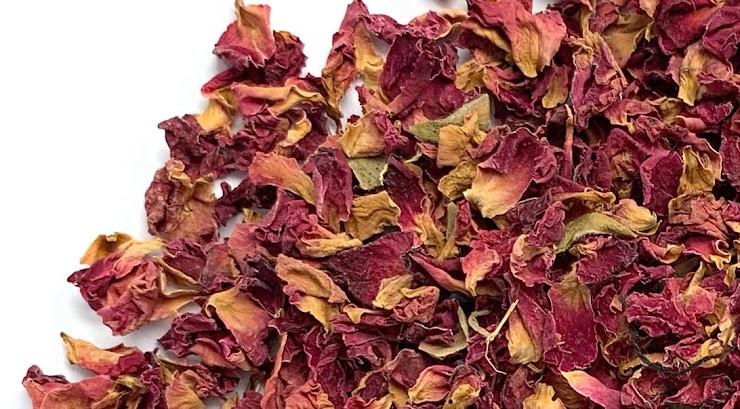 Ingredients: Rose Petals, Sodium Bicarbonate, Citric Acid, Epsom Salt, Coconut Oil, Fragrance