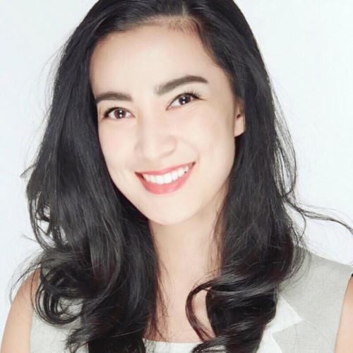 Azzura Pongai sebagai MarketingFest Speaker