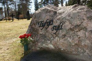 https://www.simpukka.info/wp-content/uploads/2014/01/tyhja_syli_jamijarvi-300x200.jpg?x41316