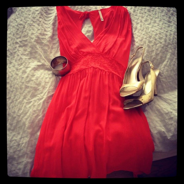 red tea dress with gold shoes for a date night