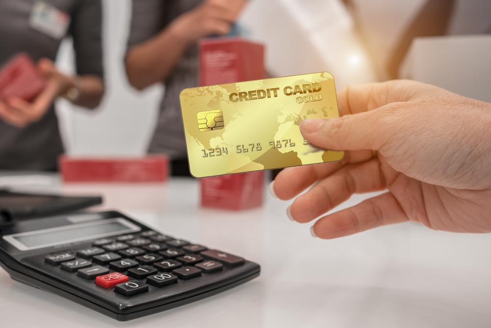 Hình thức vay tiêu dùng bằng thẻ tín dụng nhanh chóng