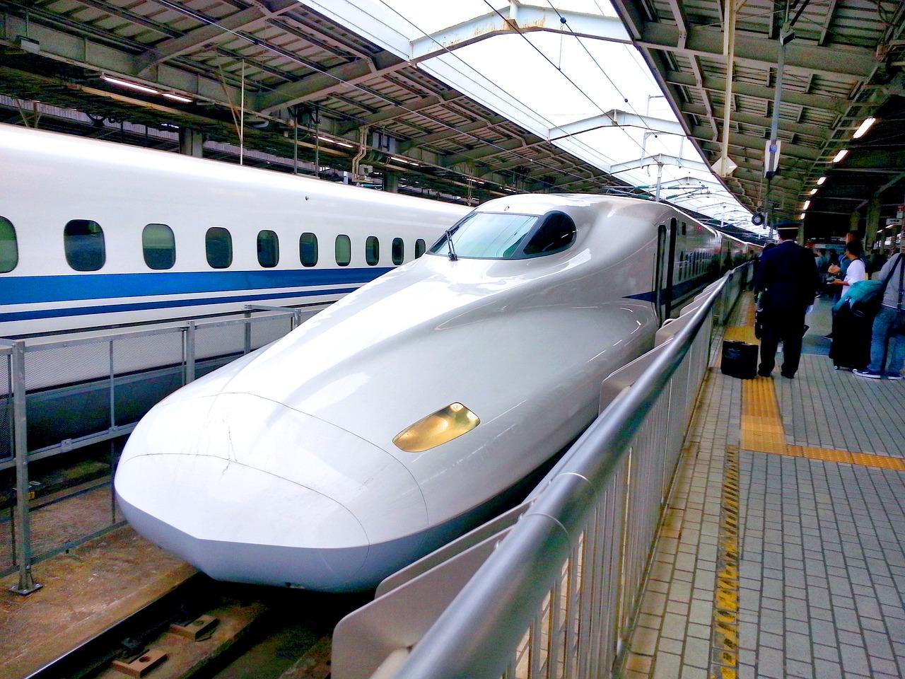 bullet-train-1540467_1280.jpg