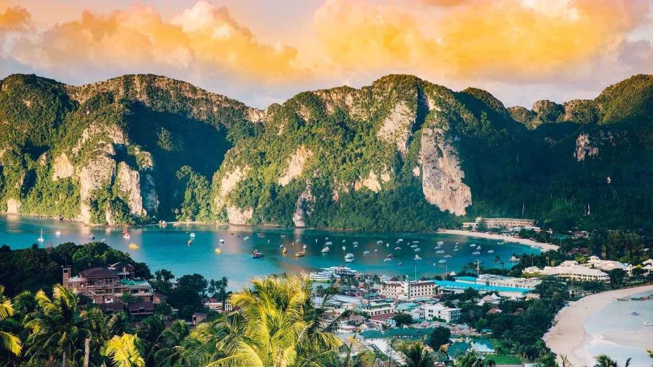 La mer et la montagne en Thaïlande