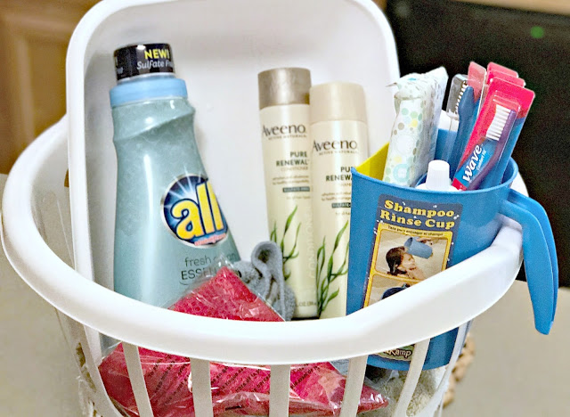 #FreeOfSulfates #ad Camper Basket to go, Cleaning basket for a camper, How to stay clean camping, Camping hacks to stay clean, AVEENO PURE RENEWAL® coupon, all® fresh clean ESSENTIALS® coupon, Sulfate free laundry detergent, sulfate free shampoo and conditioner