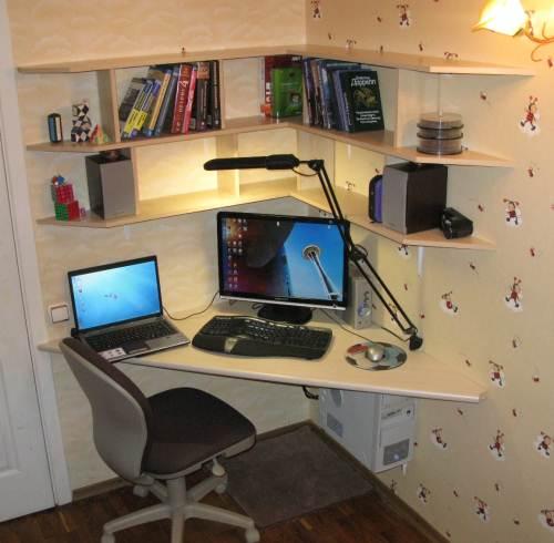 недорогой компьютерный стол