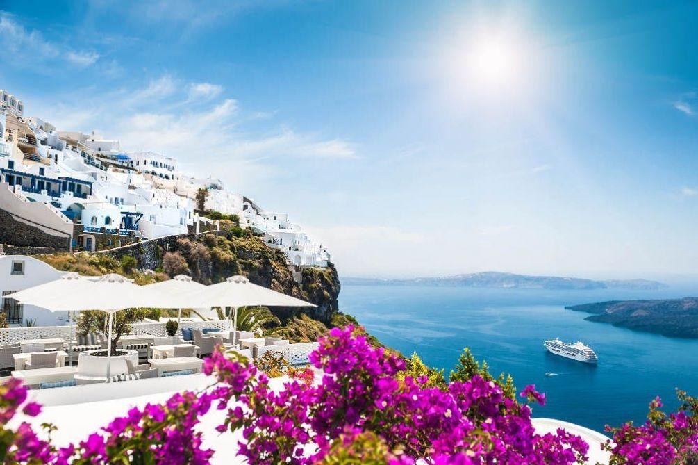 Почему стоит выбрать горящий тур в Грецию