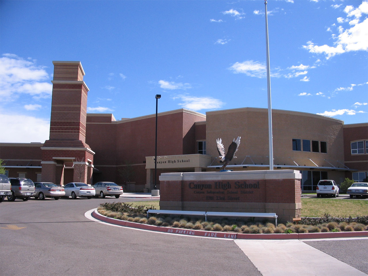 Canyon_High_School_(Texas)_in_Canyon_Texas_USA (1).jpg