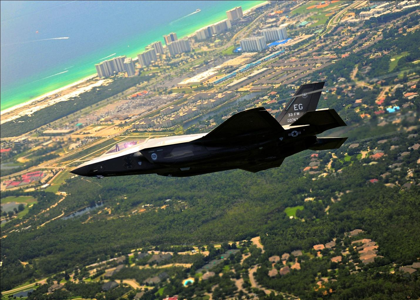 C:UsersWorkDesktopArmy BasesAirforceEglin Air Force Base in Valparaiso, FLFirst_F-35_Lightning_Arrives_at_Eglin_AFB_Florida-2.jpg