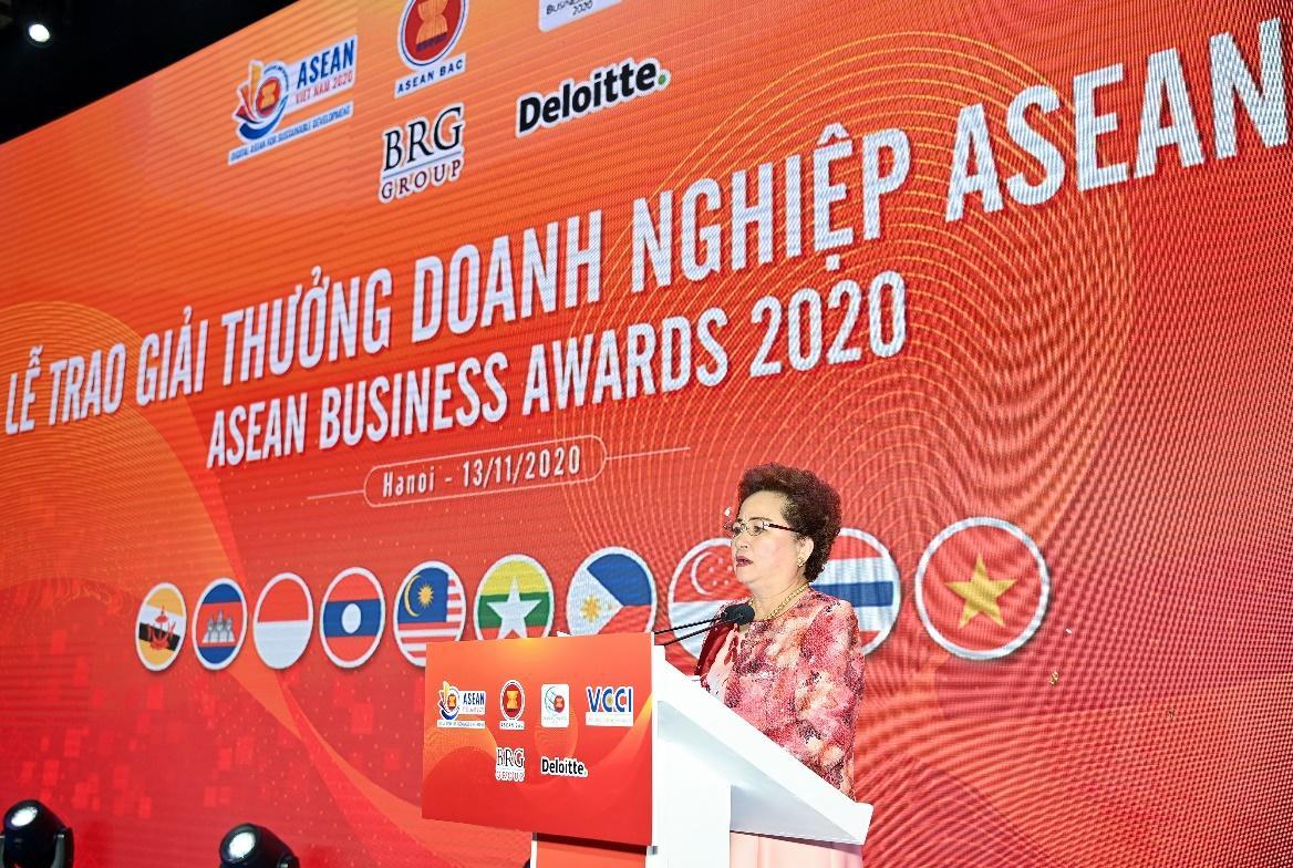 C:\Users\khanh.nh\Desktop\ABAC\ABA 2020\Out TCBC\Madame Nguyễn Thị Nga phát biểu chúc mừng doanh nghiệp ASEAN .JPG