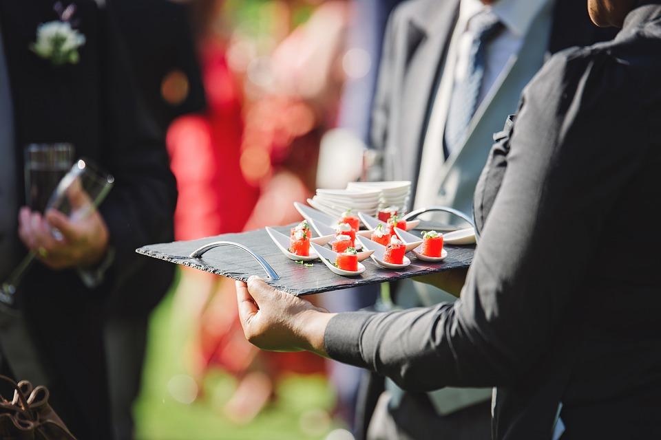 両手プレート, 食品, スナック, 皿, おいしい, 祝賀会, プレート, ケータリング, 健康, イベント