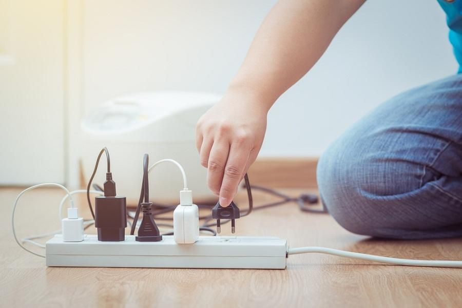 E:\Rahul\Img\Home Electrical Hazards.jpg